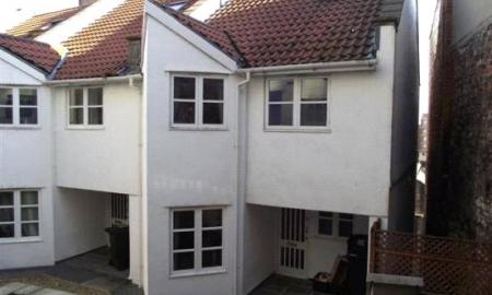 Photo of 8 bedroom House to rent