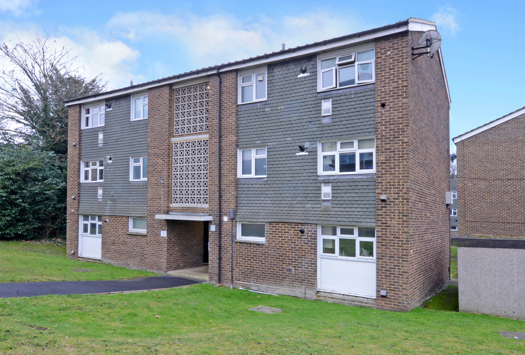 1 Bedroom Maisonette Flat for sale in Camberley, Surrey GU15