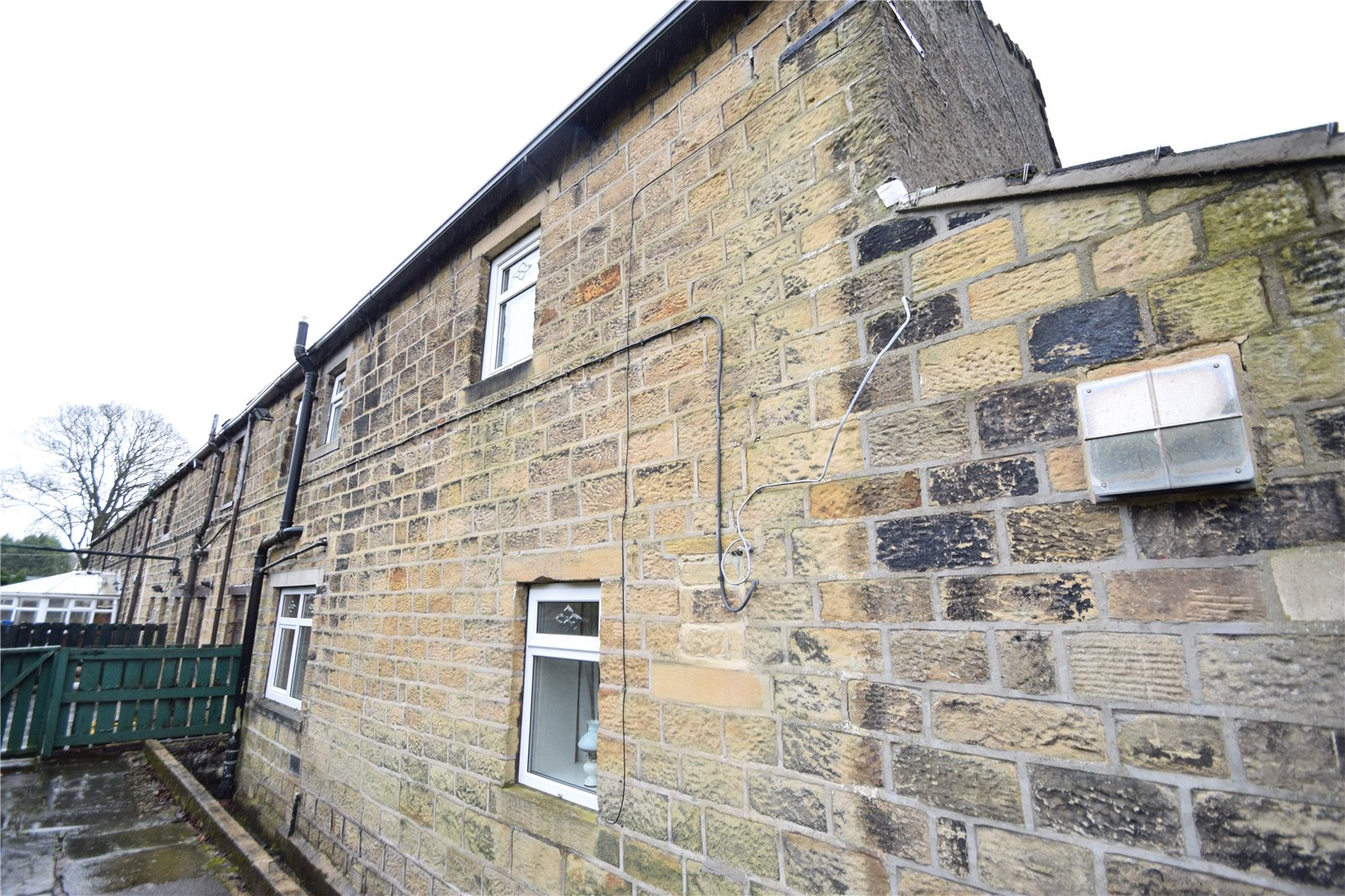 Yorkshire Terrace: Whitegates Keighley 3 Bedroom House For Sale In Spring Row