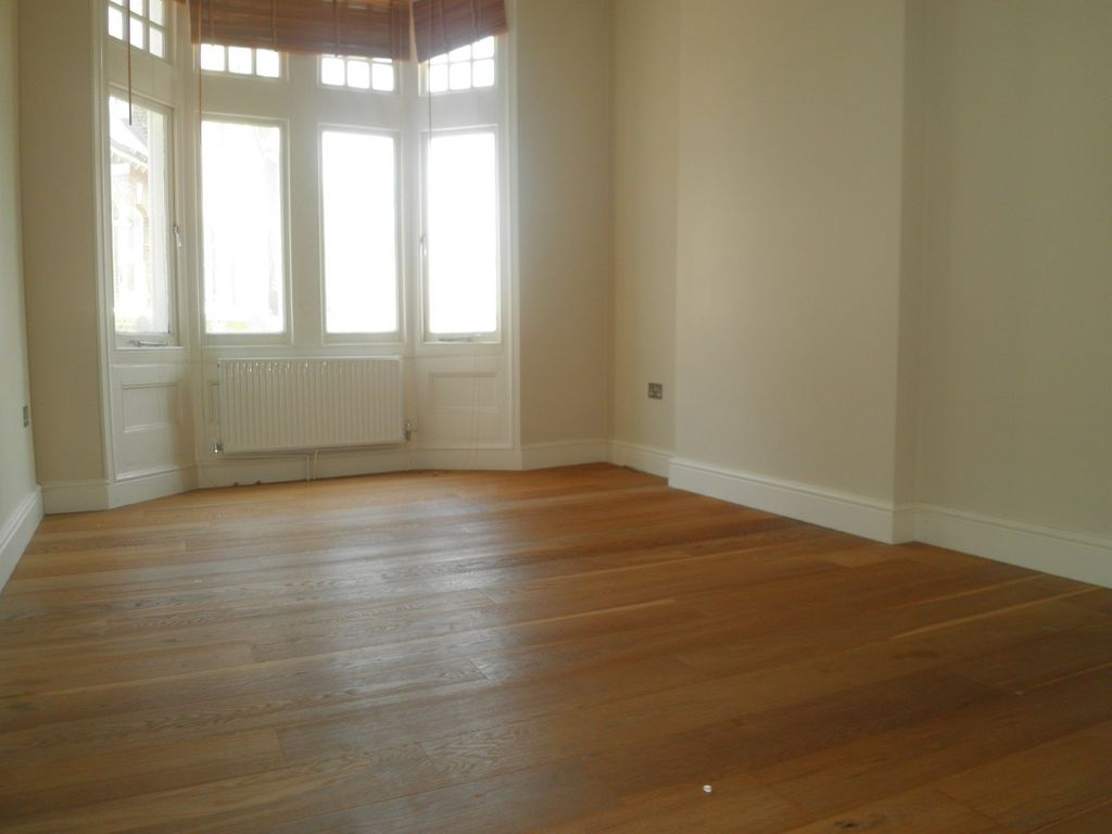2 Bedrooms Apartment Flat for sale in Westow Street, Crystal Palace SE19