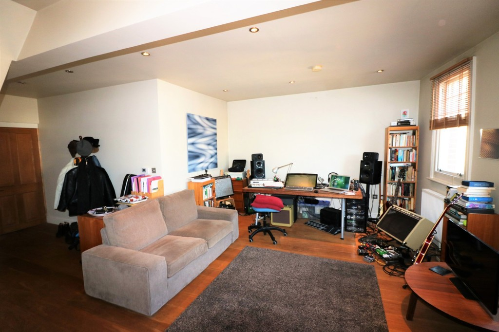 1 Bedroom Apartment Flat for sale in Westow Street , Crystal Palace SE19