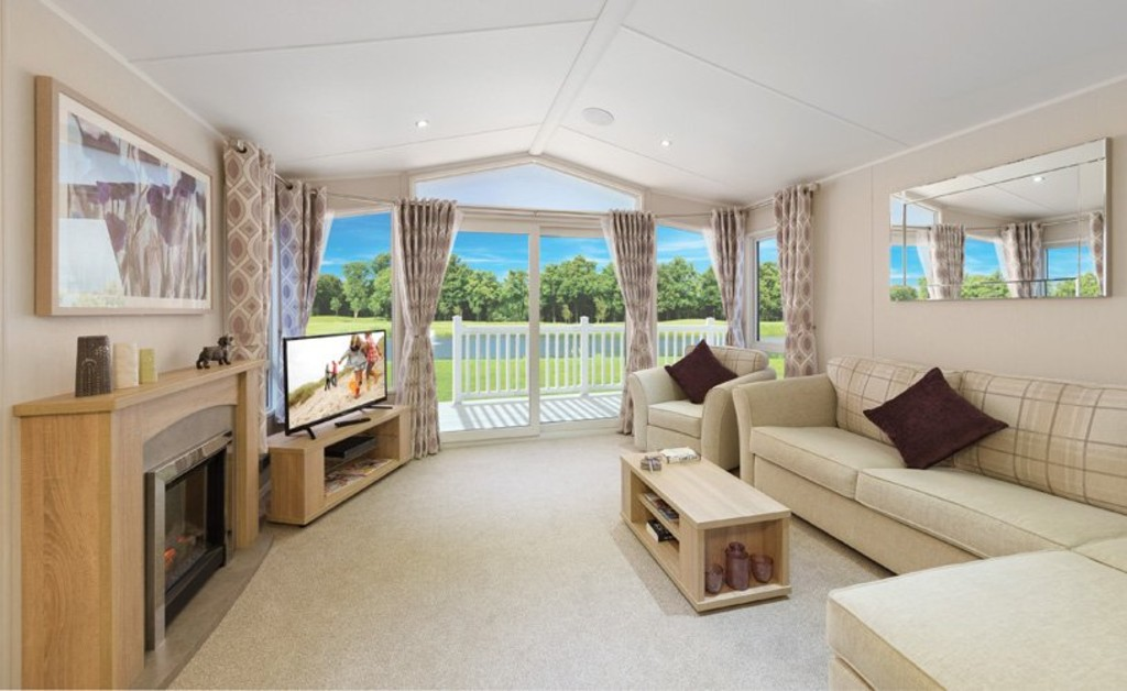 2 Bedrooms Detached House for sale in Lynch Lane, Weymouth DT4