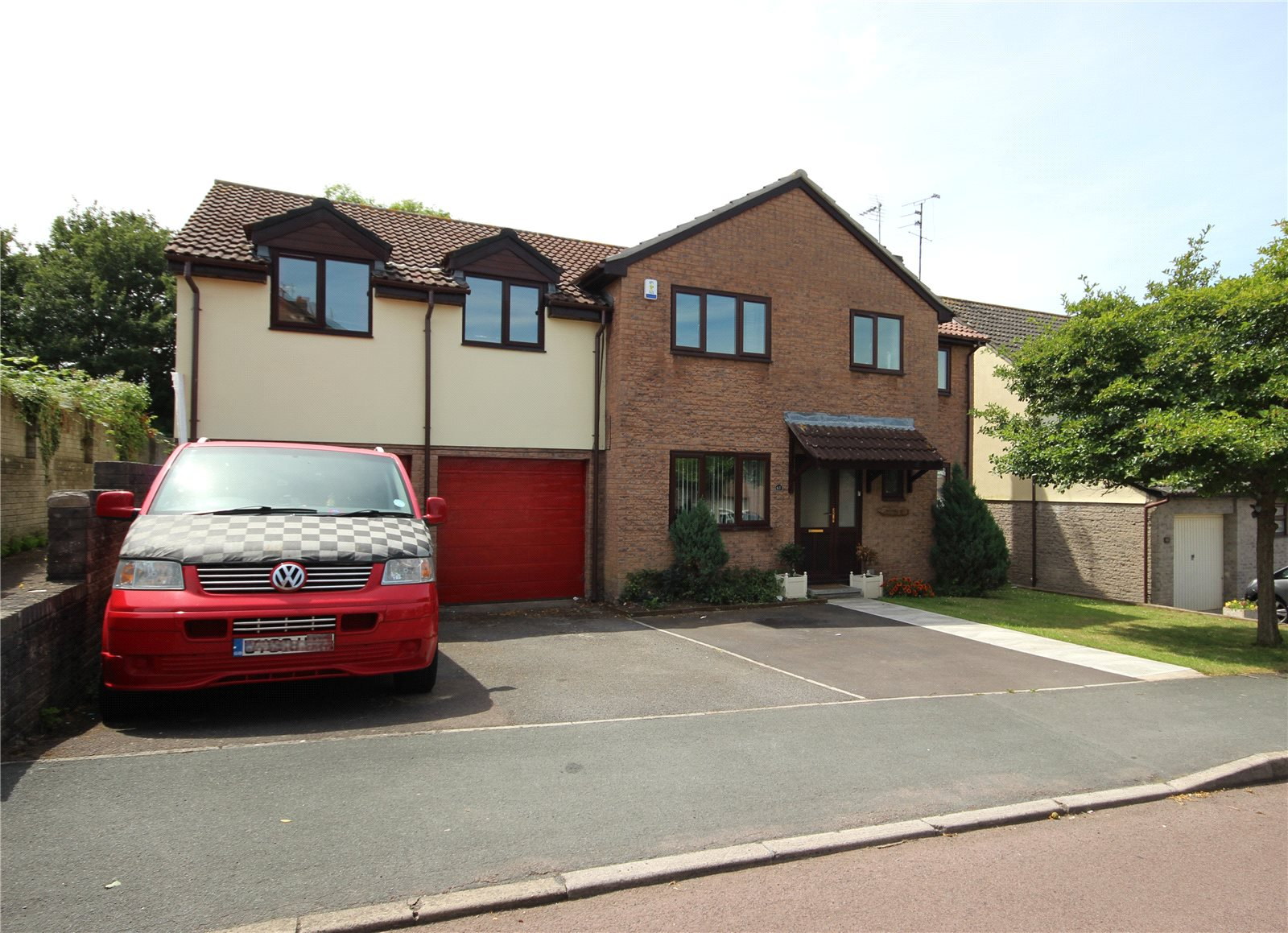 6 Bedrooms Detached House for sale in Oxbarton Stoke Gifford Bristol BS34