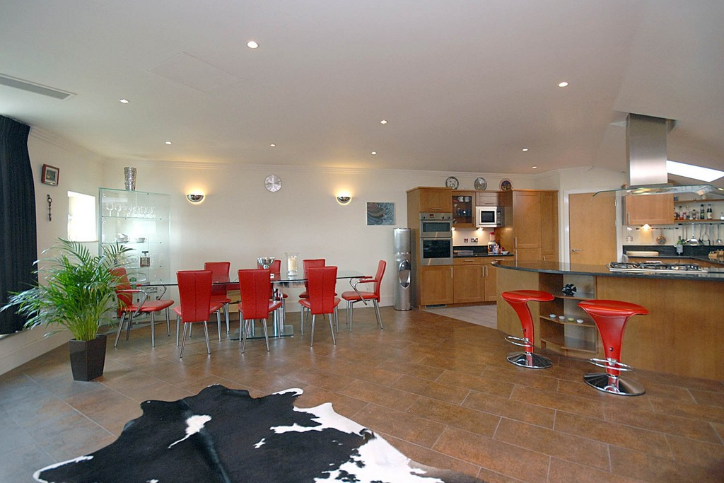 3 Bedrooms Apartment Flat for sale in Penthouse - The Island, Brentford TW8