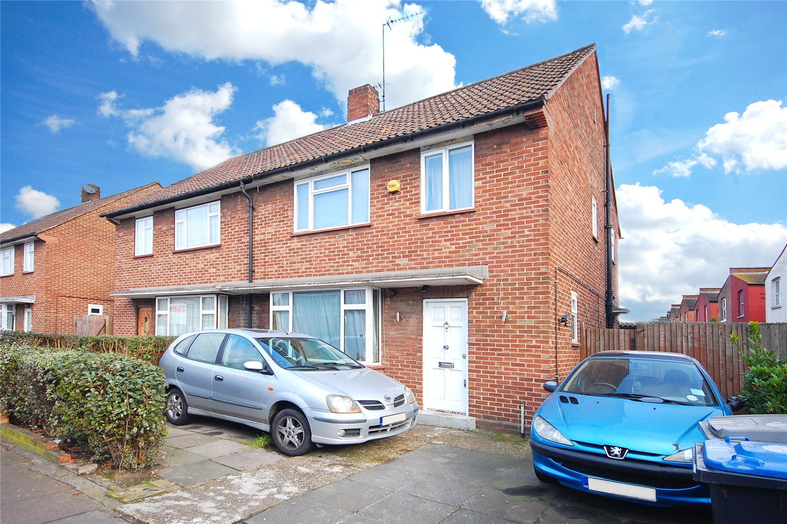 3 Bedrooms Semi Detached House for sale in Roundwood Road London NW10