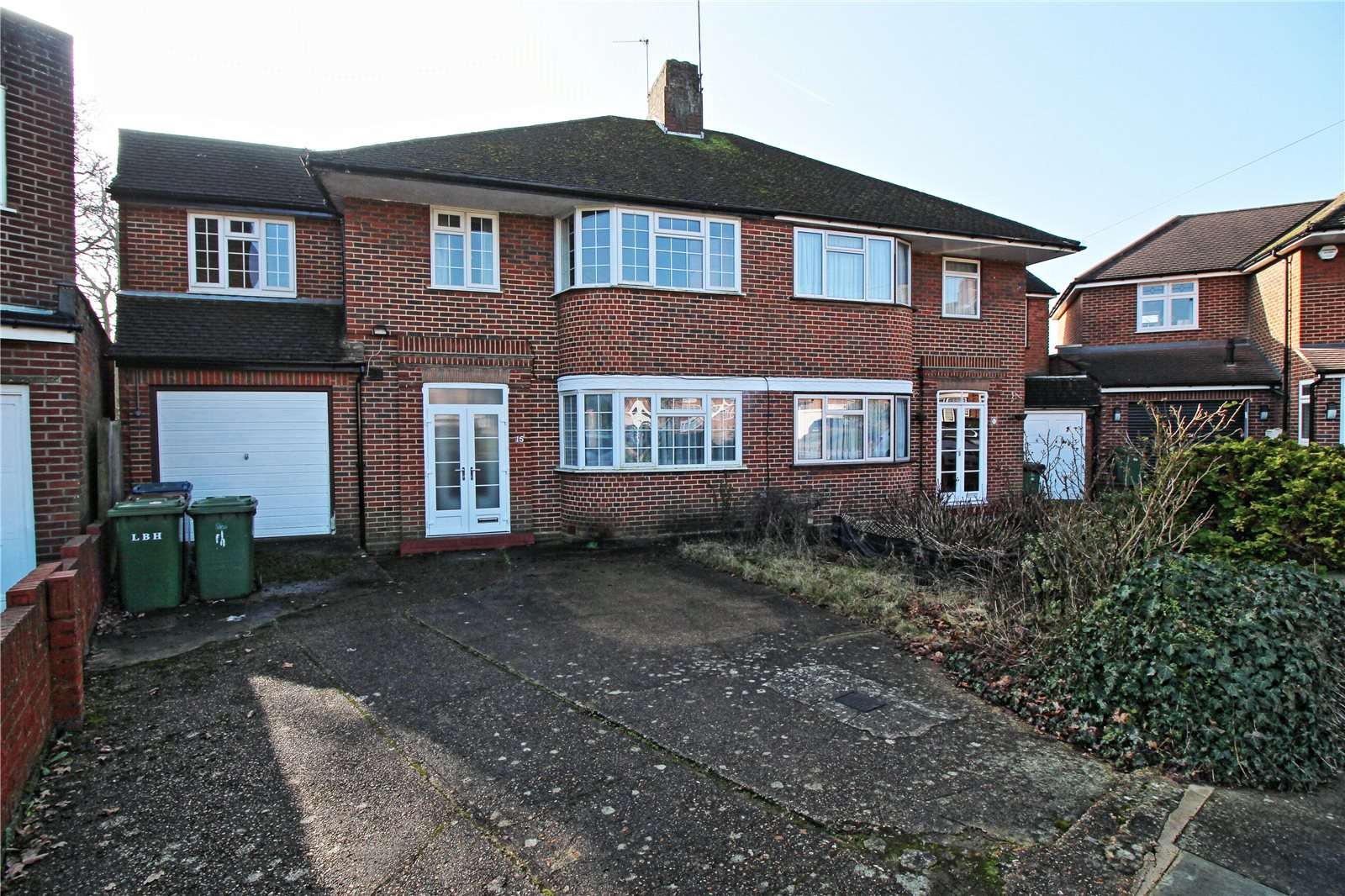 5 Bedrooms Semi Detached House for sale in Peters Close Stanmore HA7
