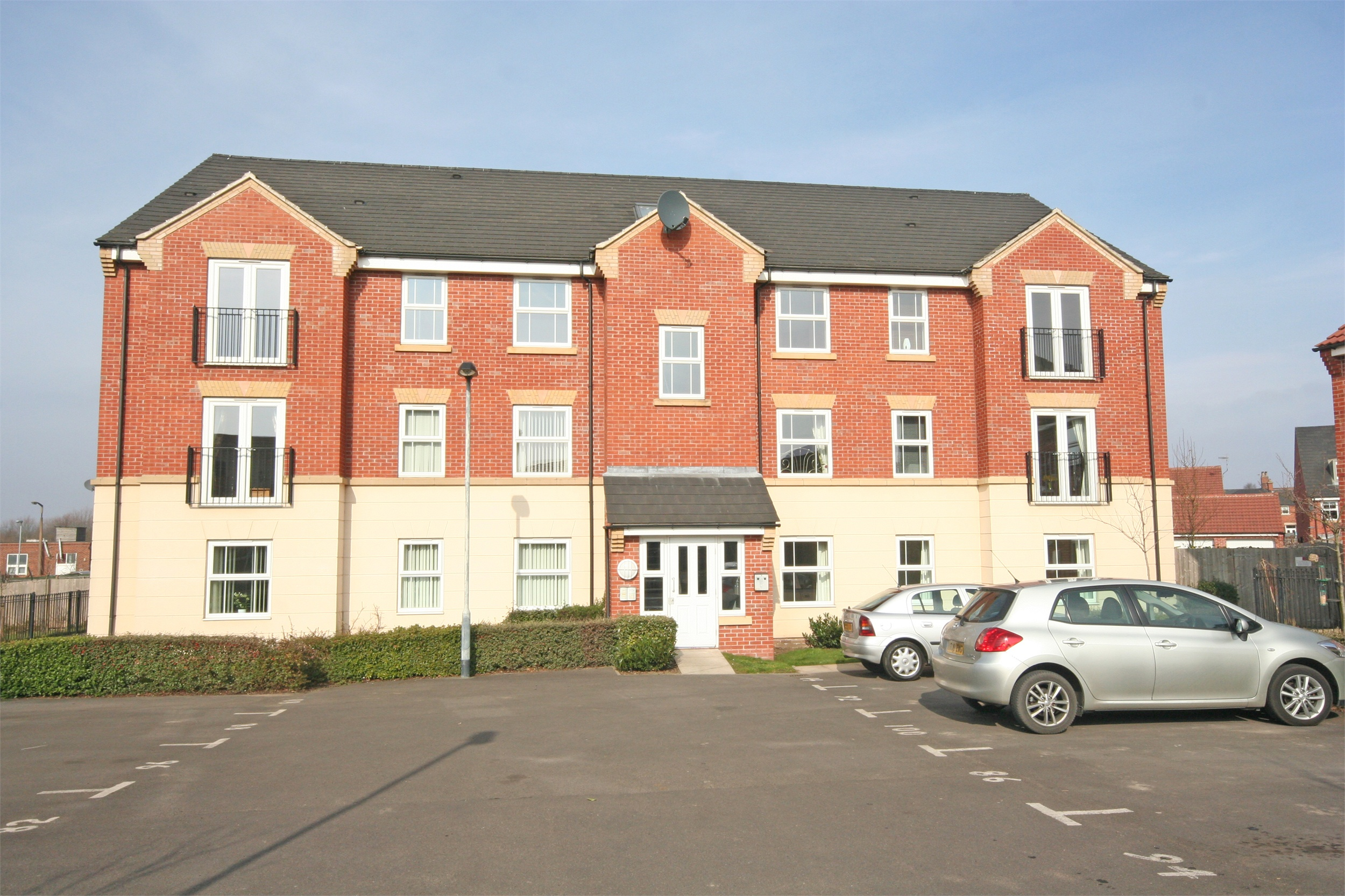 Whitegates Beeston 2 Bedroom Flat To Rent In High Main