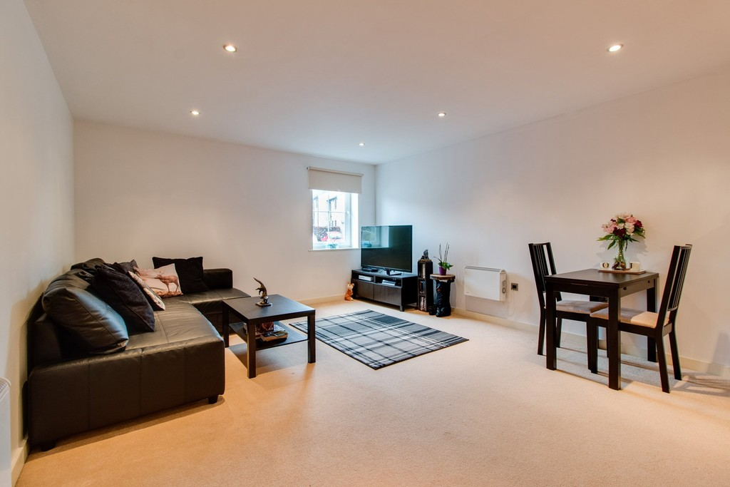 1 Bedroom Apartment Flat for sale in Piccadilly Heights, Wain Avenue S41