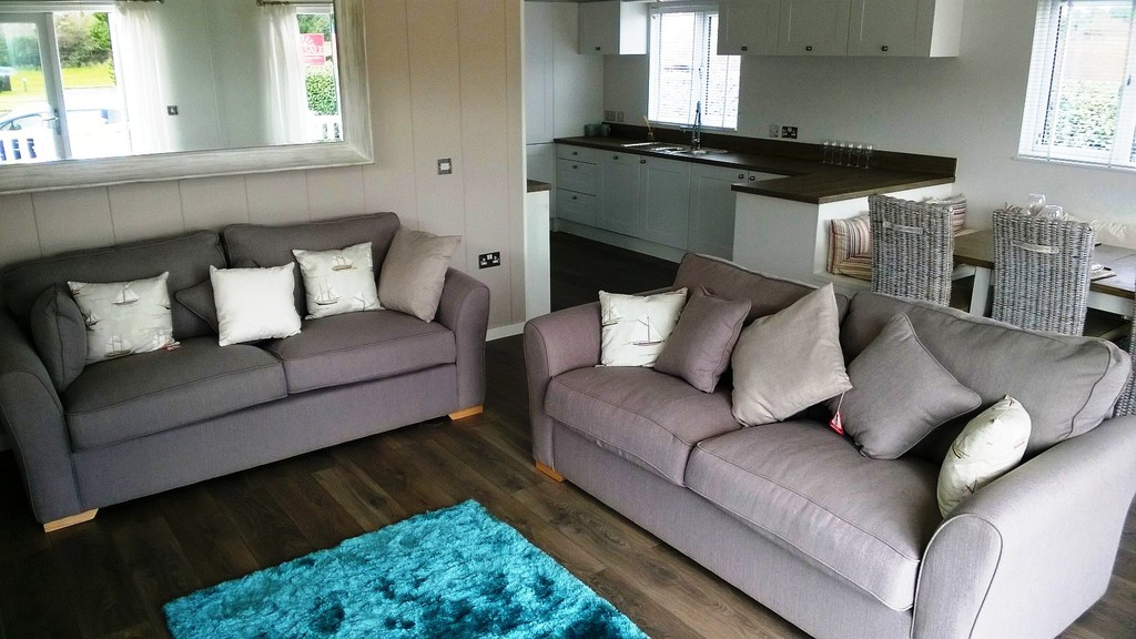 2 Bedrooms Detached House for sale in Shorefield Holiday Park, Milford On Sea SO41