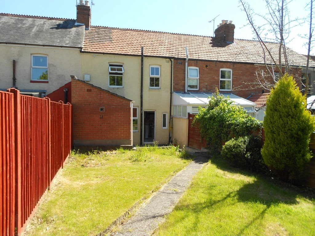3 Bedrooms Terraced House for sale in Percy Road, Yeovil BA21