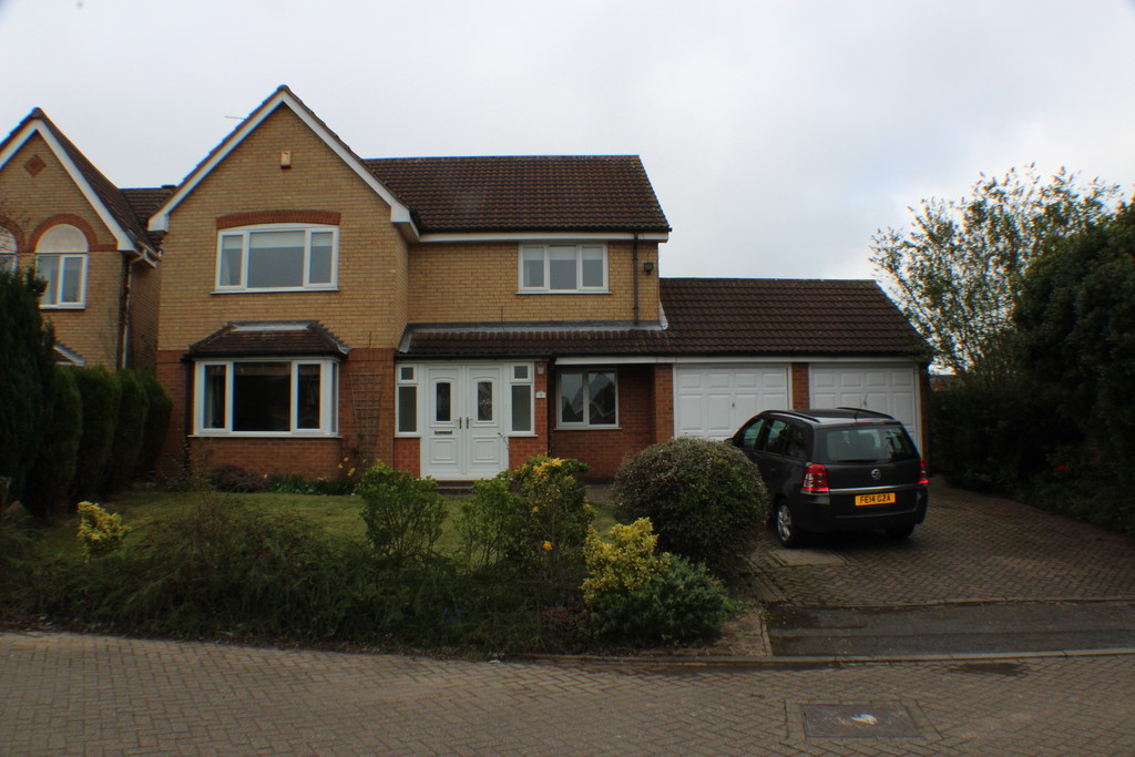 5 Bedrooms Detached House for sale in Stanmore Close, Nuthall NG16