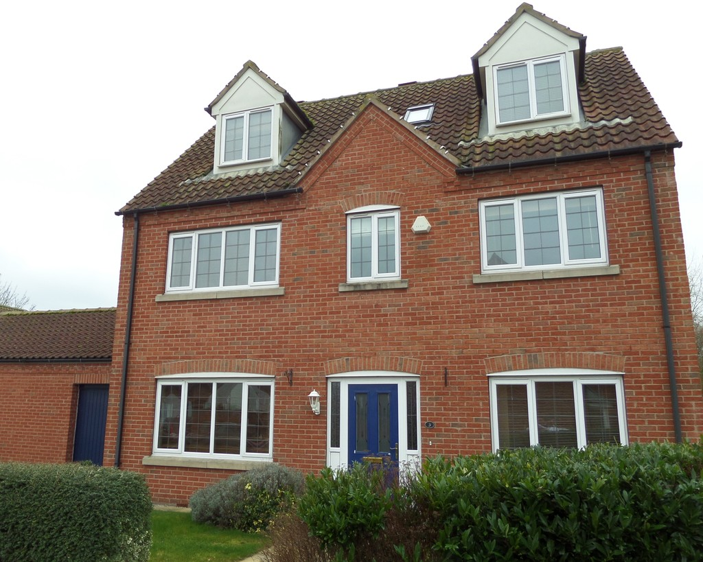 5 Bedrooms Detached House for sale in Nicholas Way, Corringham DN21
