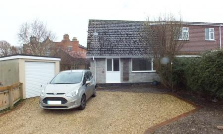 Photo of 4 bedroom Bungalow to rent