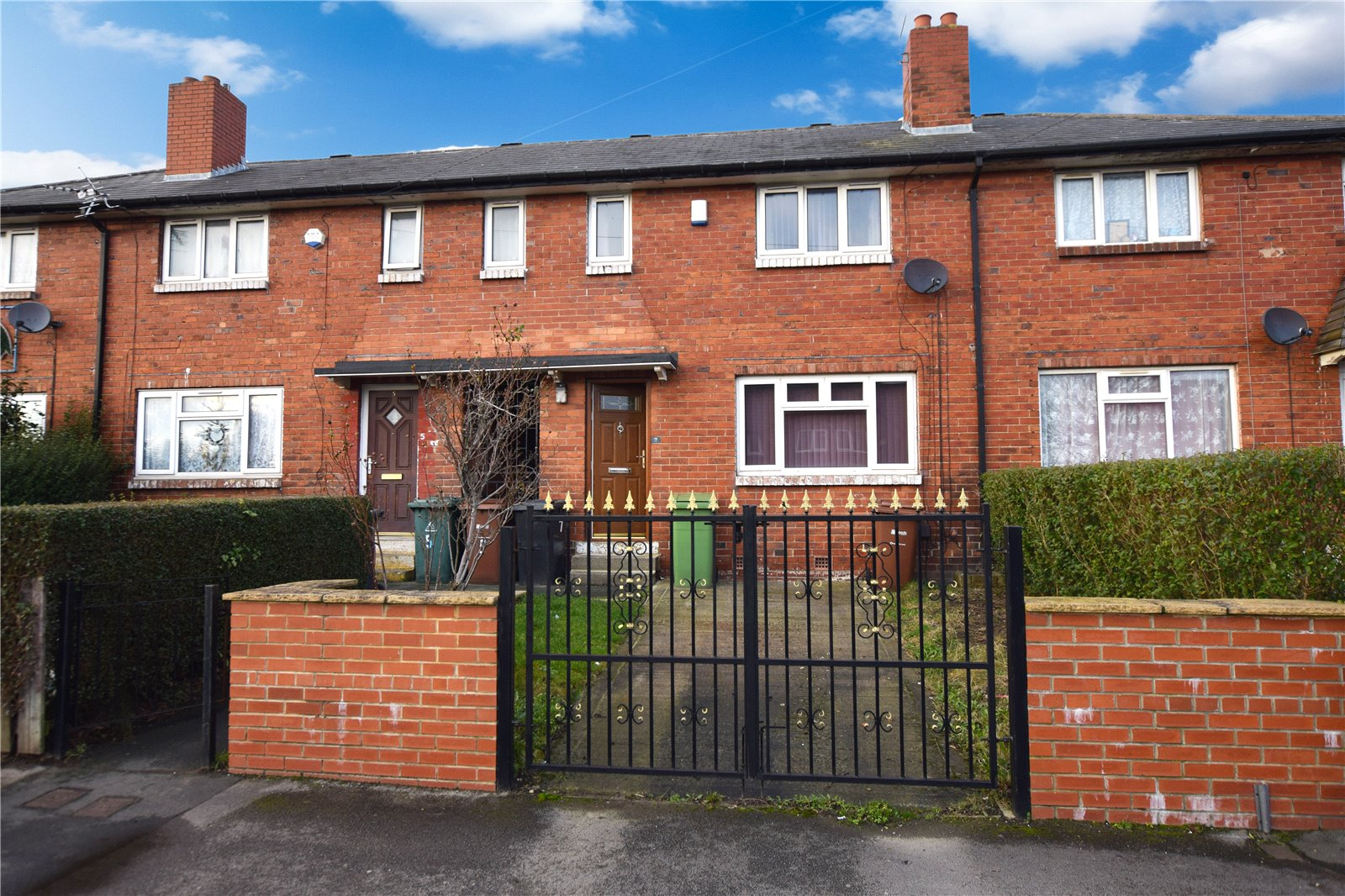 Yorkshire Terrace: Whitegates South Leeds 2 Bedroom House Let Agreed In Scott