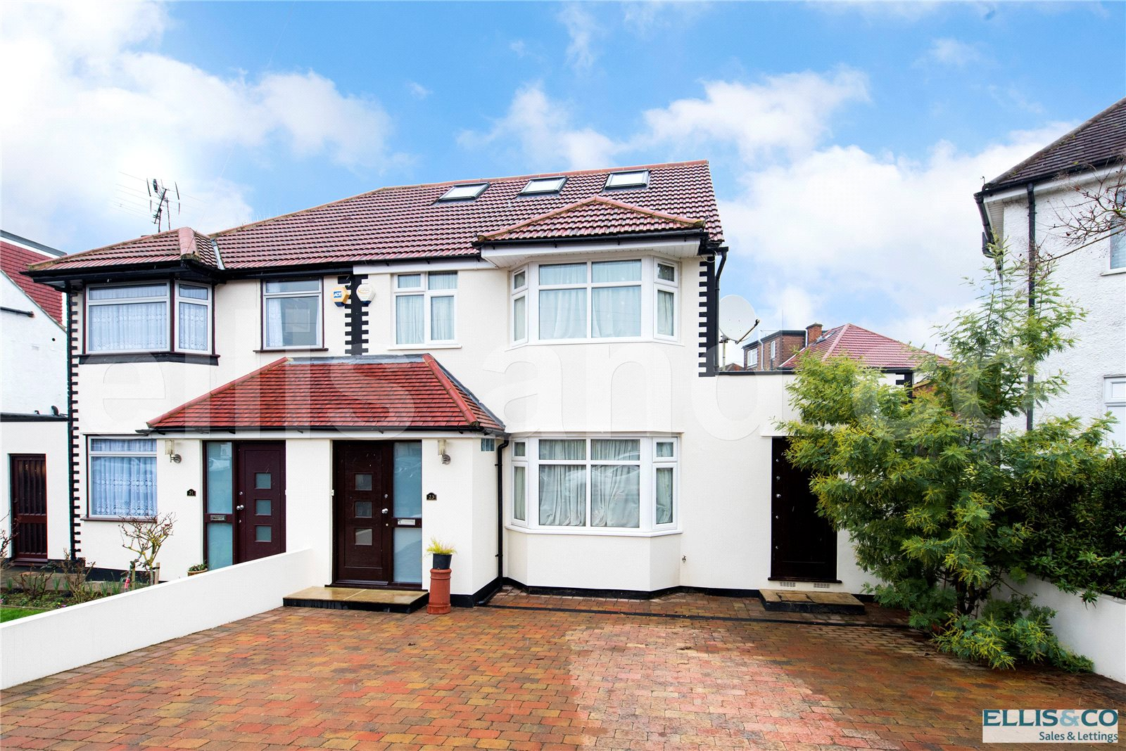 4 Bedrooms Semi Detached House for sale in Warwick Avenue Edgware Middlesex HA8