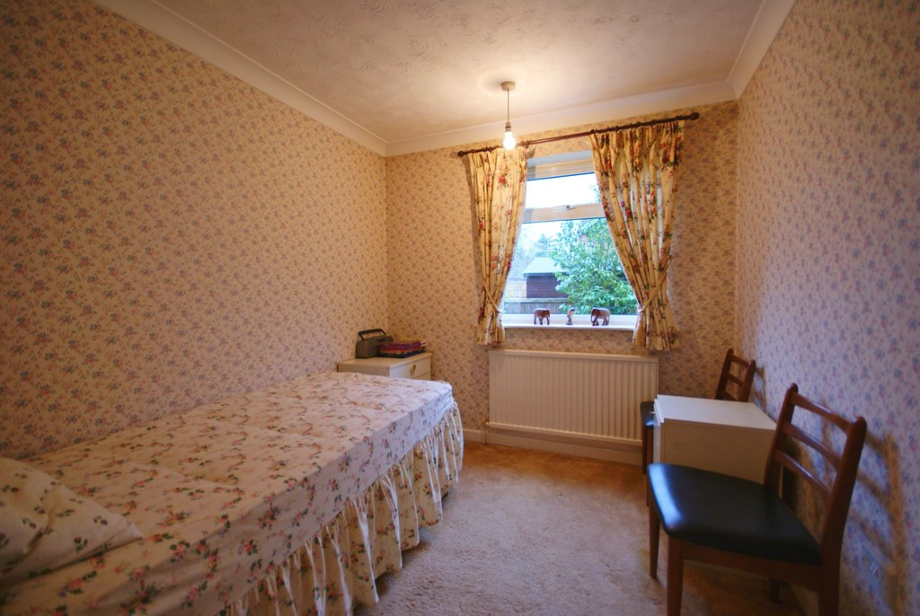 Martin Amp Co Lincoln 3 Bedroom Detached Bungalow Let In