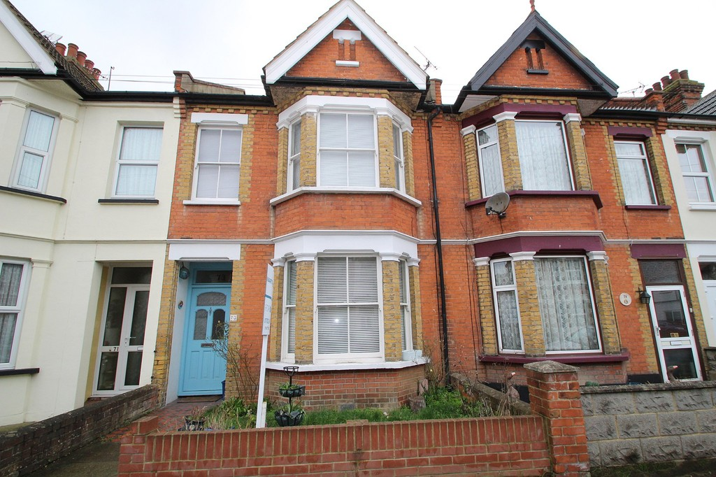 3 Bedrooms Terraced House for sale in Richmond Street, Southend On Sea SS2