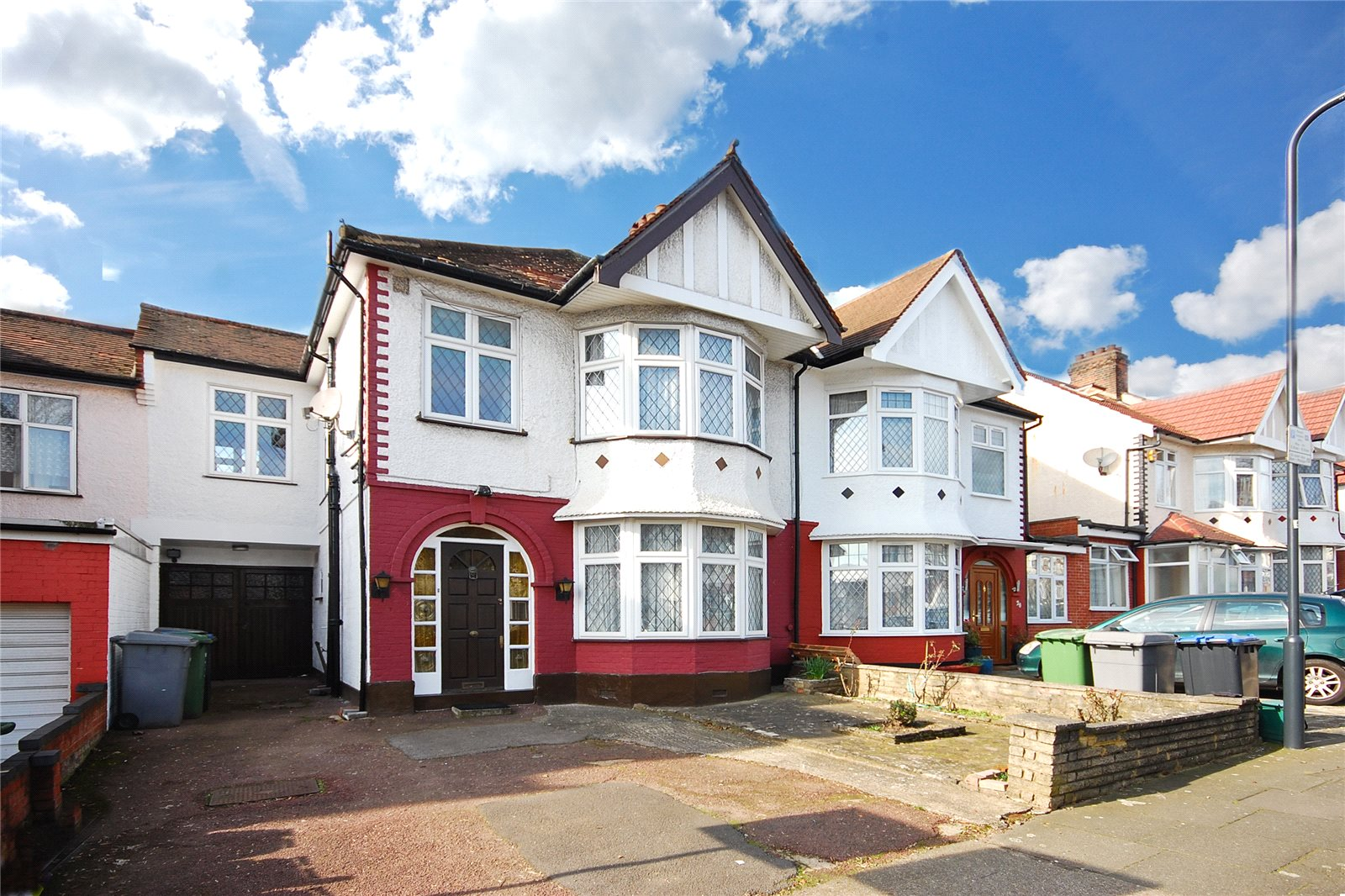 4 Bedrooms Detached House for sale in Park View Road London NW10