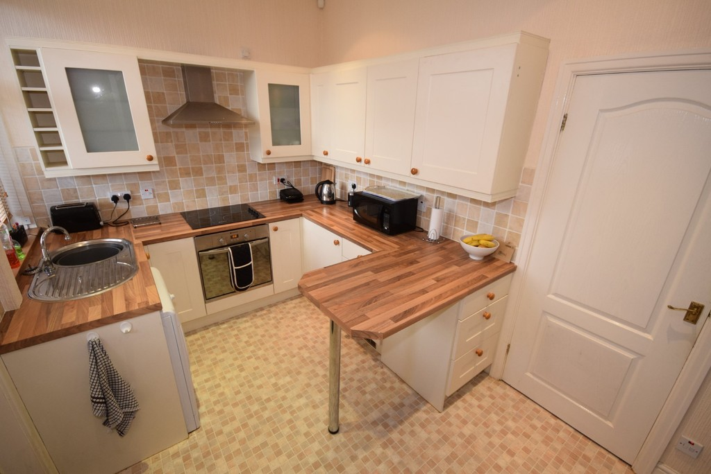 2 Bedrooms Terraced House for sale in Whitworth Road, Healey OL12