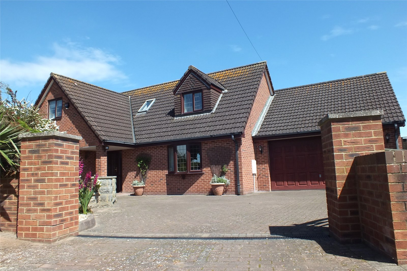 4 Bedrooms Detached House for sale in Shrubbery Close Coast Road Berrow TA8