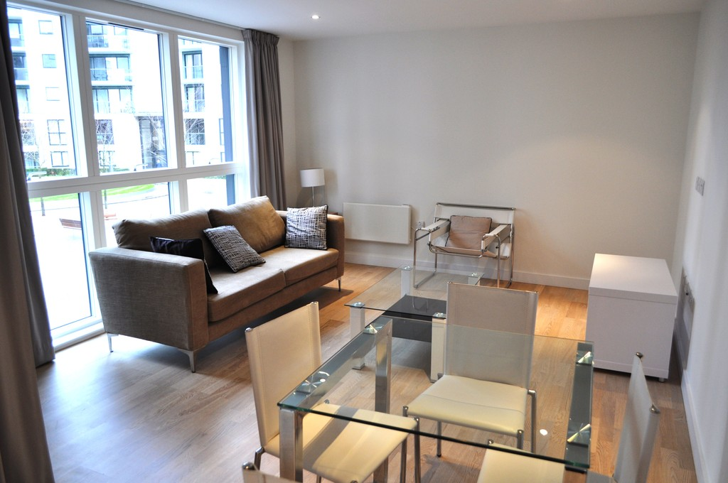 2 Bedrooms Apartment Flat for sale in Aitons House, Pump House Crescent TW8