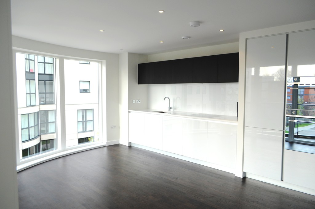 2 Bedrooms Apartment Flat for sale in Masson House, Pump House Crescent, Brentford TW8