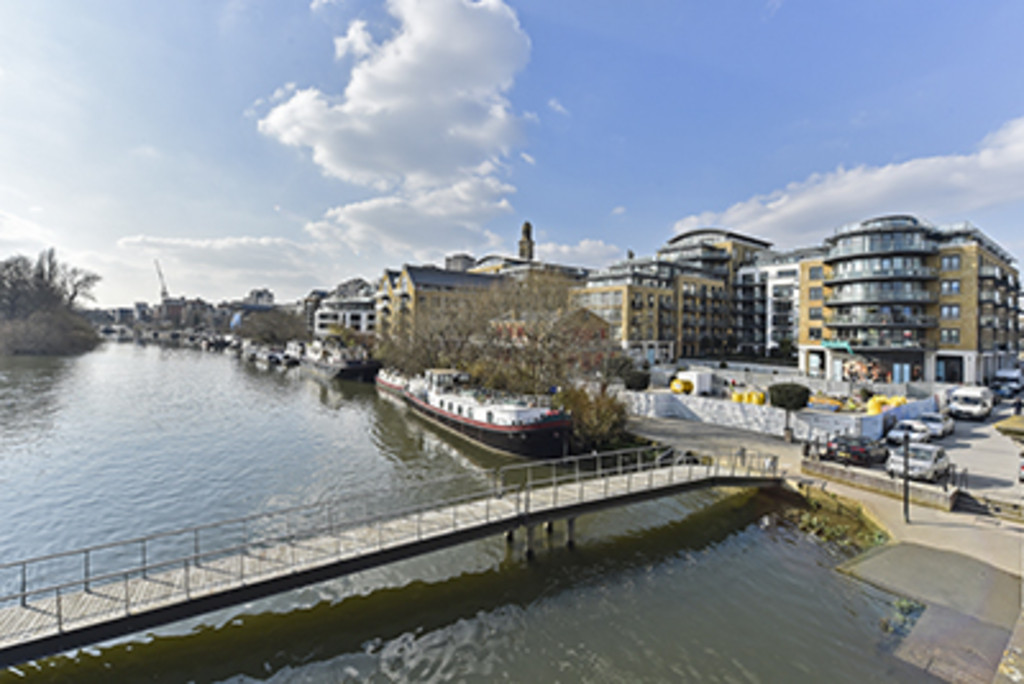 2 Bedrooms Apartment Flat for sale in Kew Bridge Riverside TW8