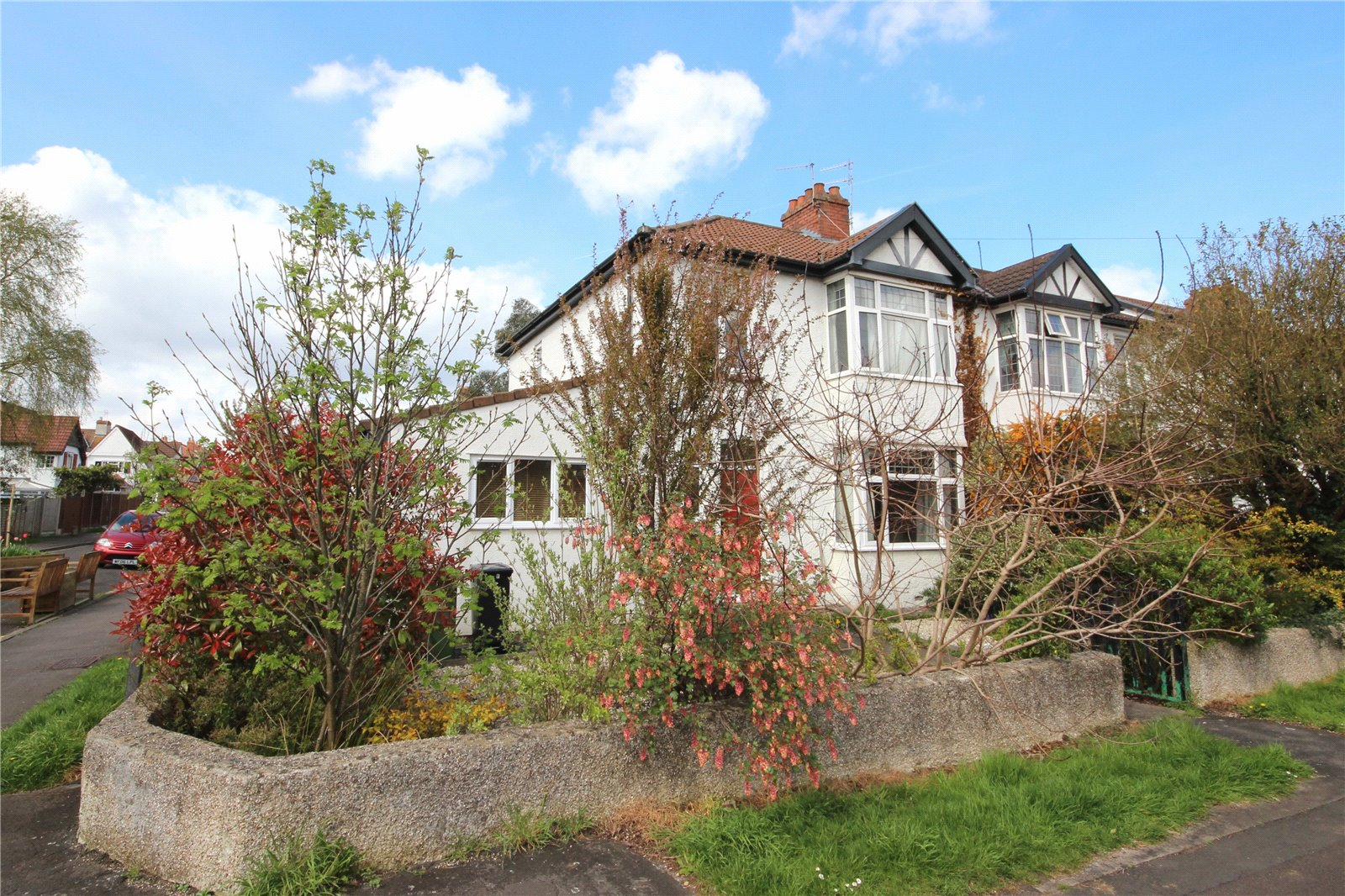 3 Bedrooms Semi Detached House for sale in Cherington Road Westbury-on-Trym Bristol BS10