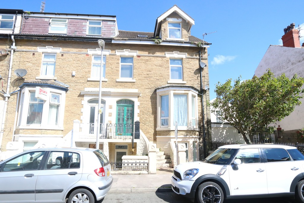 6 Bedrooms Apartment Flat for sale in Osbourne Road , Blackpool FY4