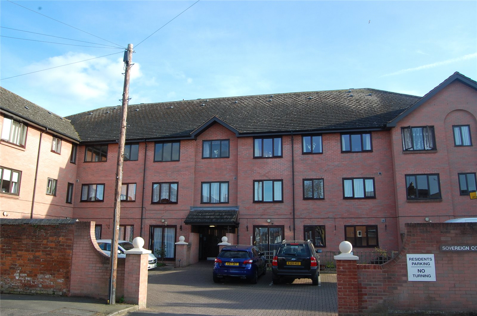 2 Bedrooms Flat for sale in Sovereign Court Gloucester GL1