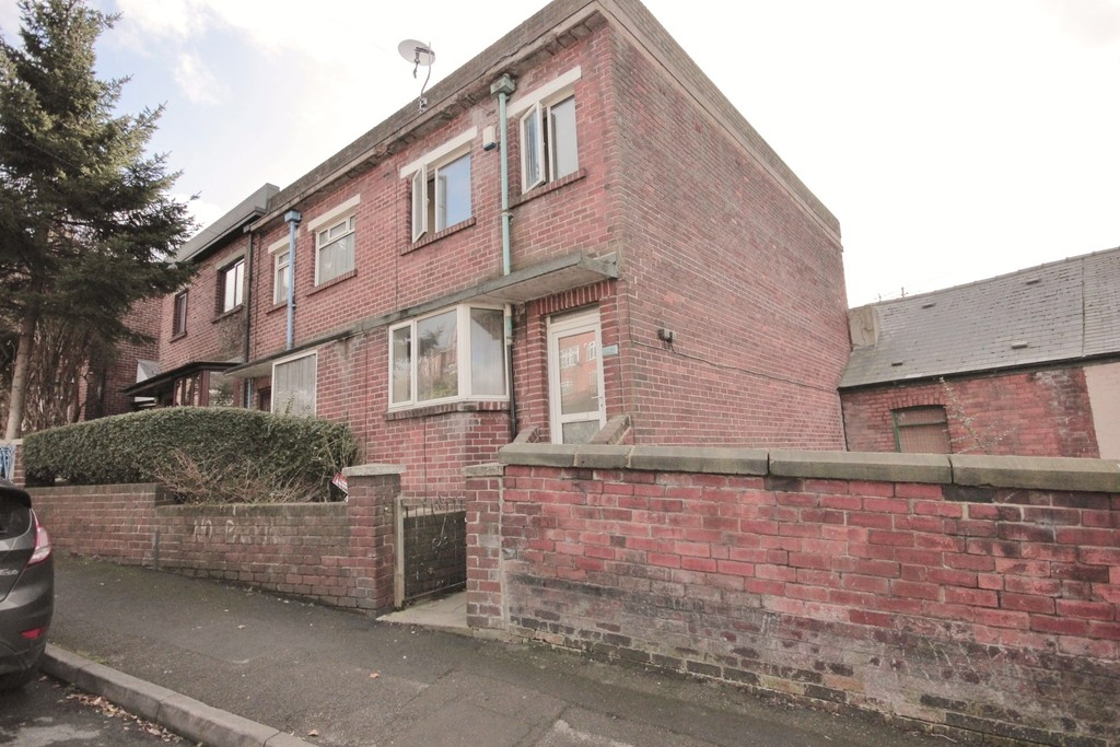 3 Bedrooms Property for sale in Shirebrook Road, Meersbrook, Sheffield S8