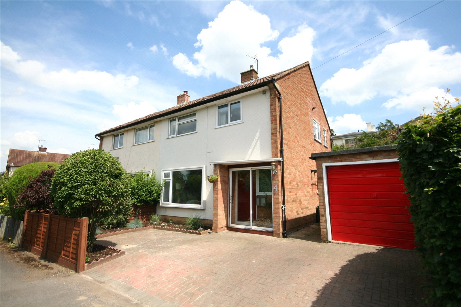 3 Bedrooms Semi Detached House for sale in Cleevelands Close Pittville Cheltenham GL50
