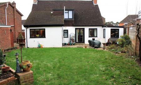 Silver Fox Crescent Woodley Reading RG5 Image 2