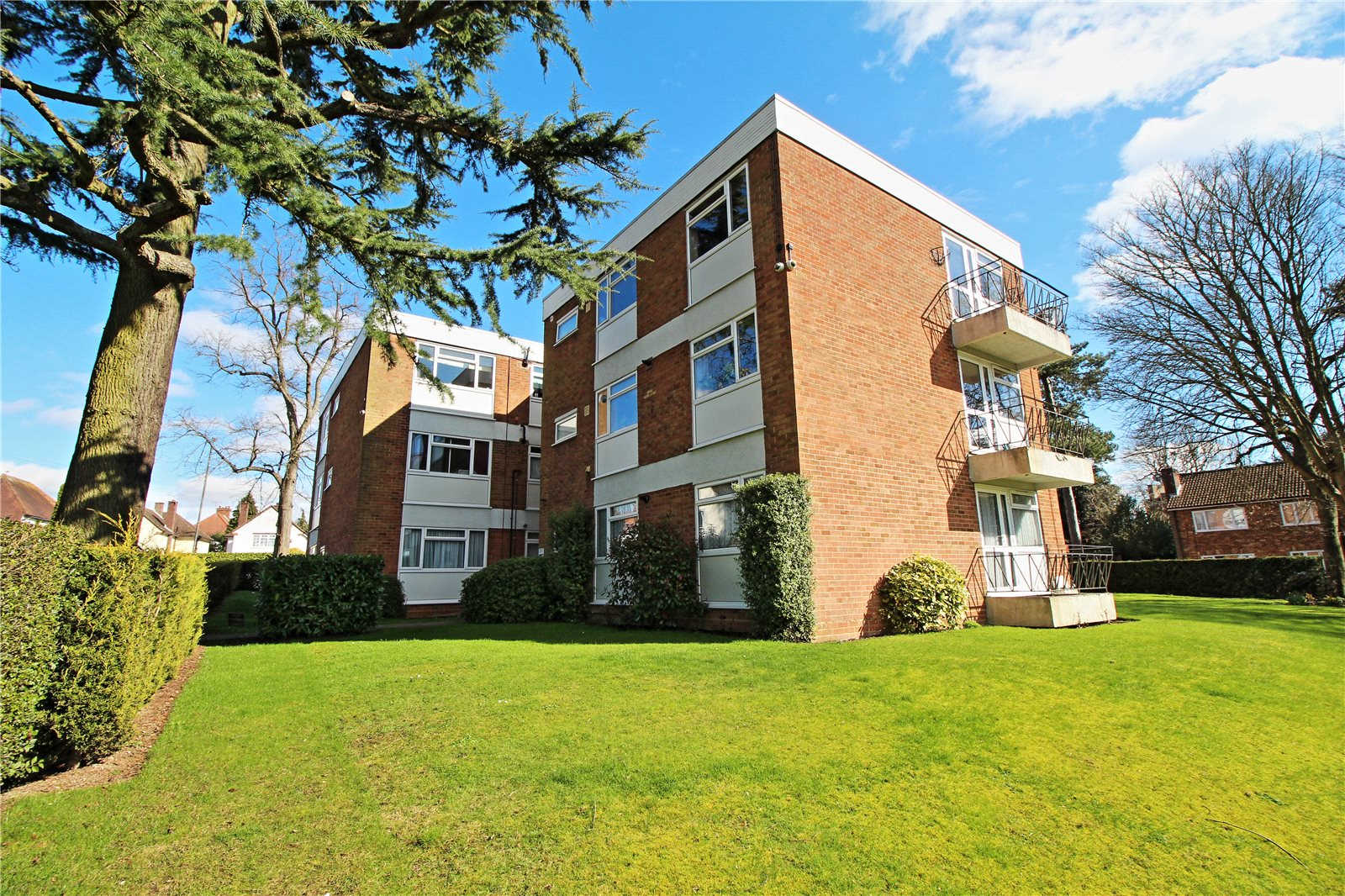 2 Bedrooms Flat for sale in Broomfield House Stanmore Hill Stanmore HA7