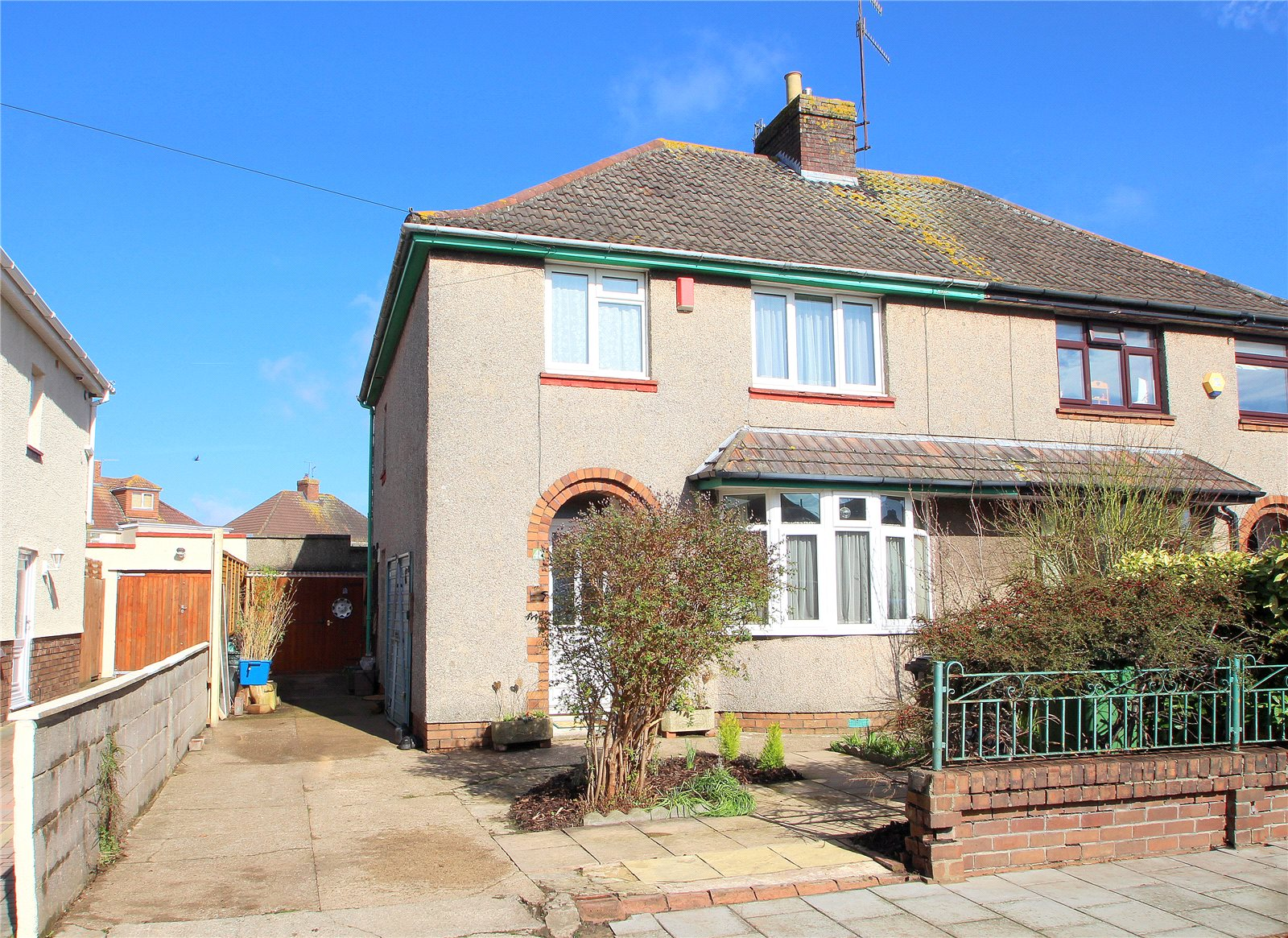3 Bedrooms Semi Detached House for sale in Donald Road Uplands Bristol BS13