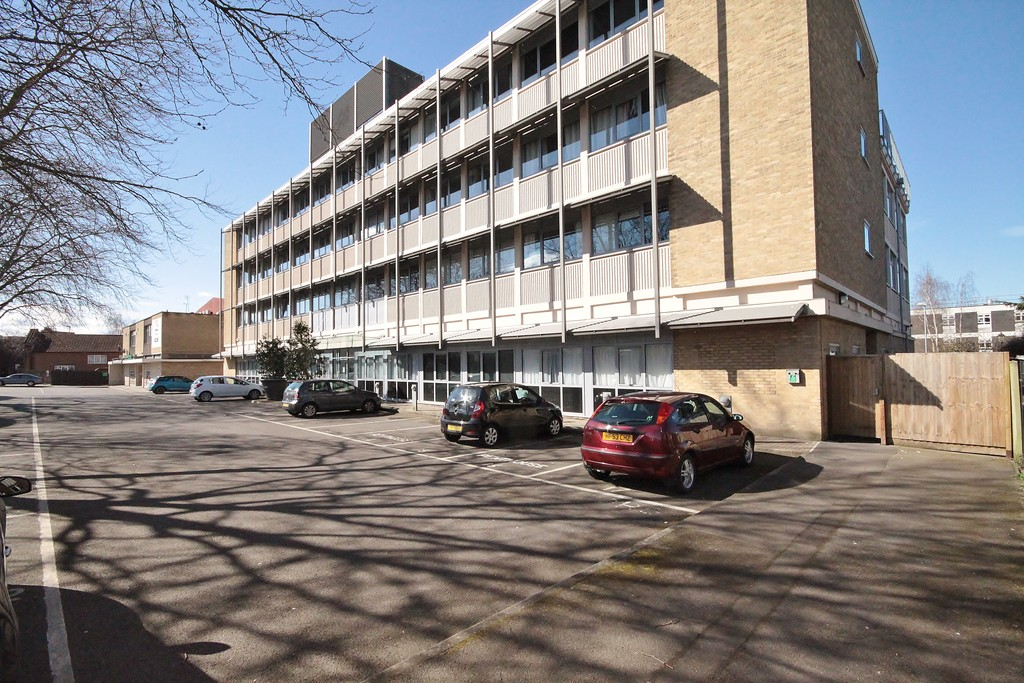 1 Bedroom Property for sale in Trinity Court , Between Towns Road OX4