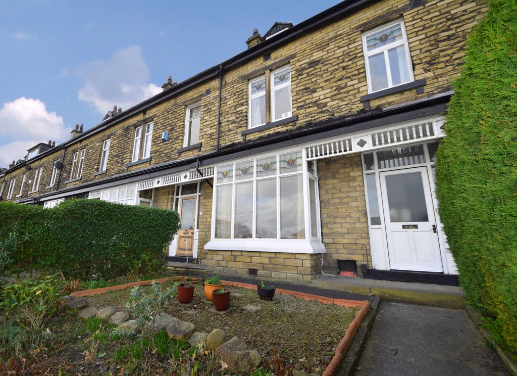 5 Bedrooms Terraced House for sale in Bradford Road, Shipley BD18