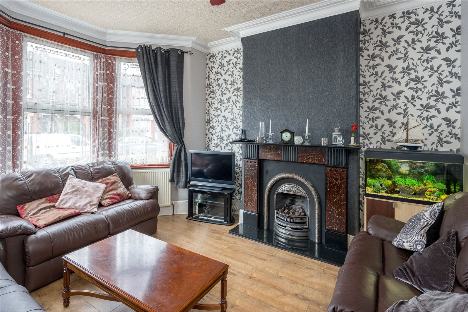 3 Bedrooms Terraced House for sale in Broadwater Road Tottenham London N17
