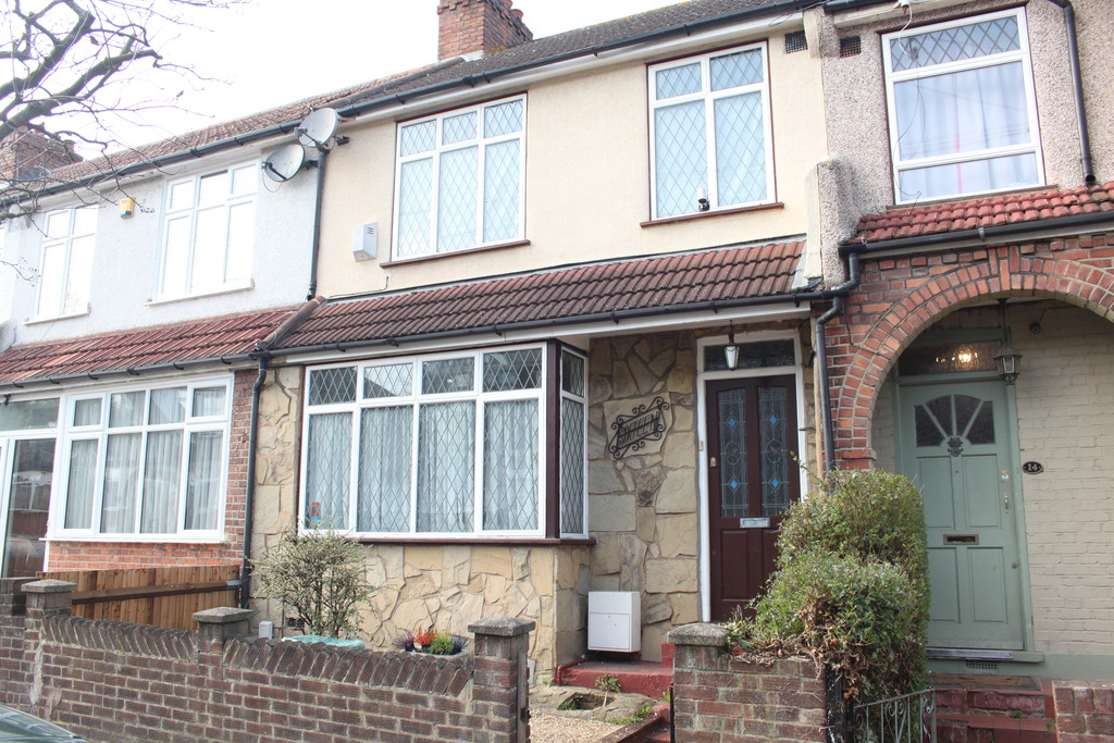 3 Bedrooms Terraced House for sale in Witham Road, Anerley SE20