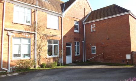 Photo of 2 bedroom Flat to rent in Golf Links Road Burnham On Sea Somerset TA8