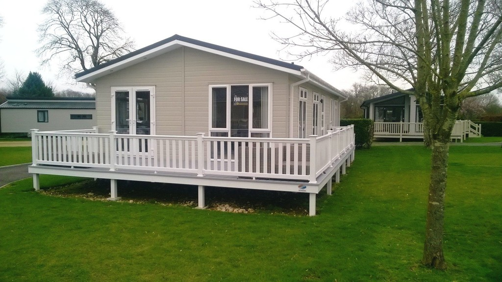 2 Bedrooms Detached House for sale in Merley Court Holiday Park, Wimborne BH21