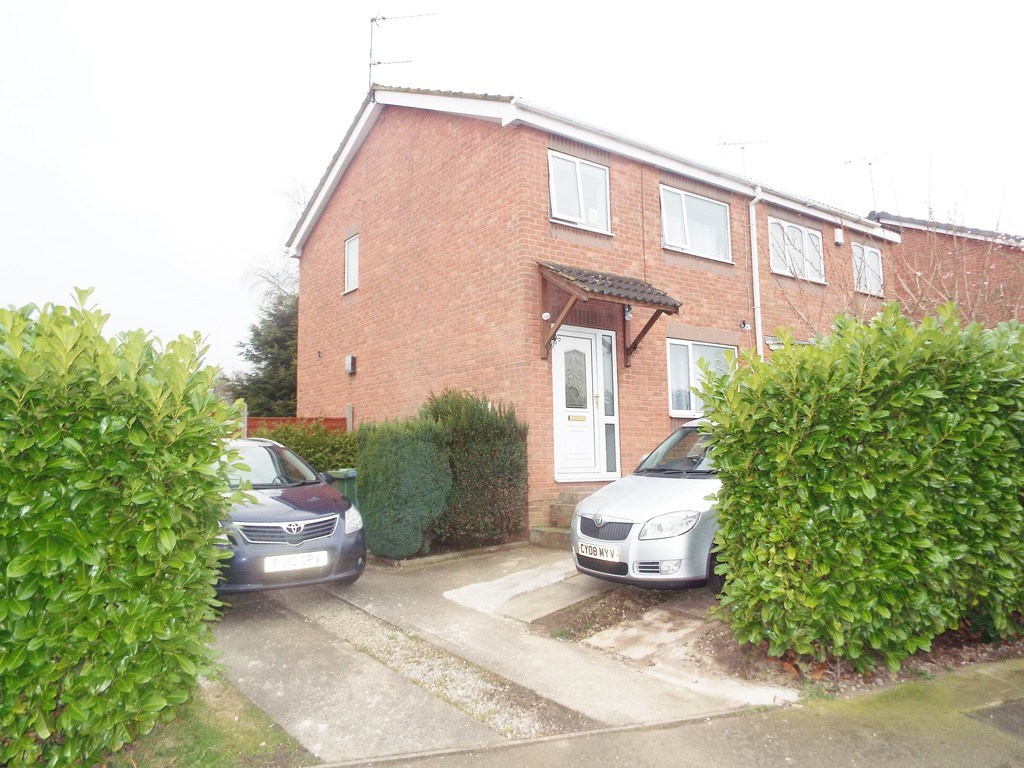 3 Bedrooms Property for sale in St Annes Drive, Worksop, Nottingham S80