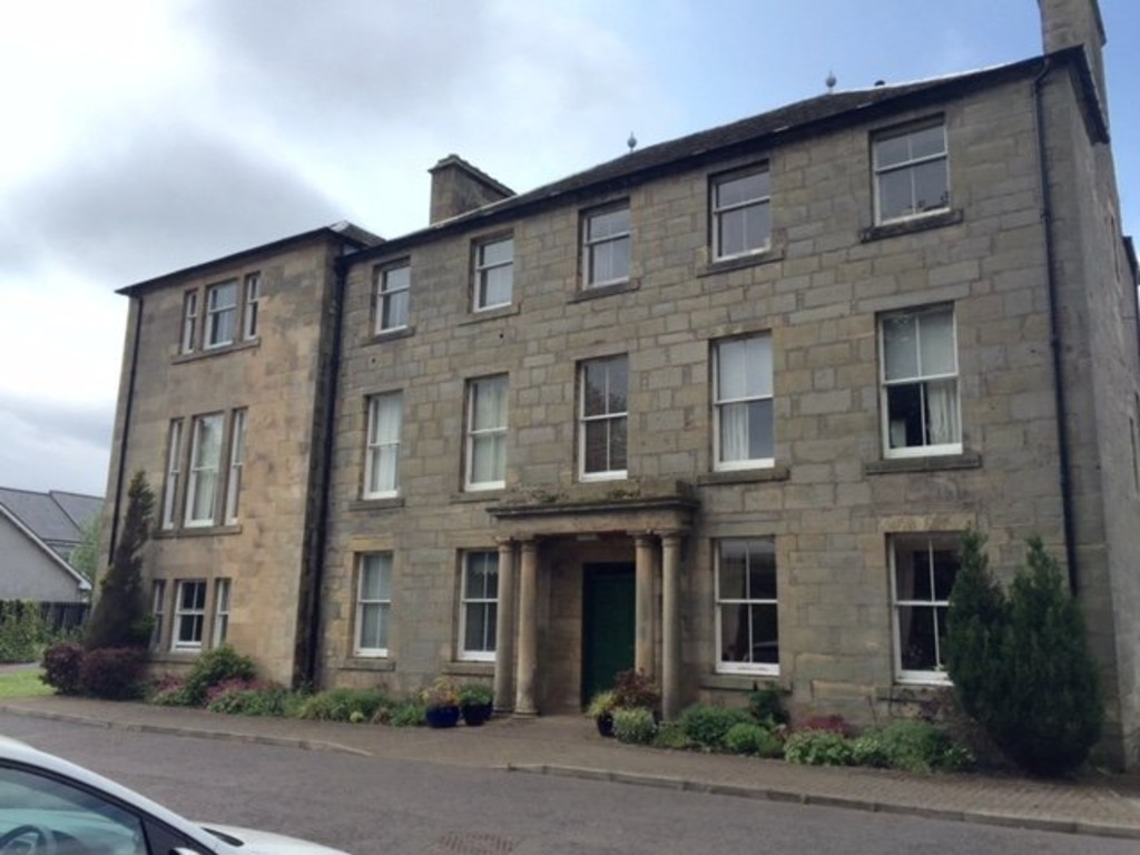 3 Bedrooms Apartment Flat for sale in Belfield House, Belfield Gardens, Cupar KY15