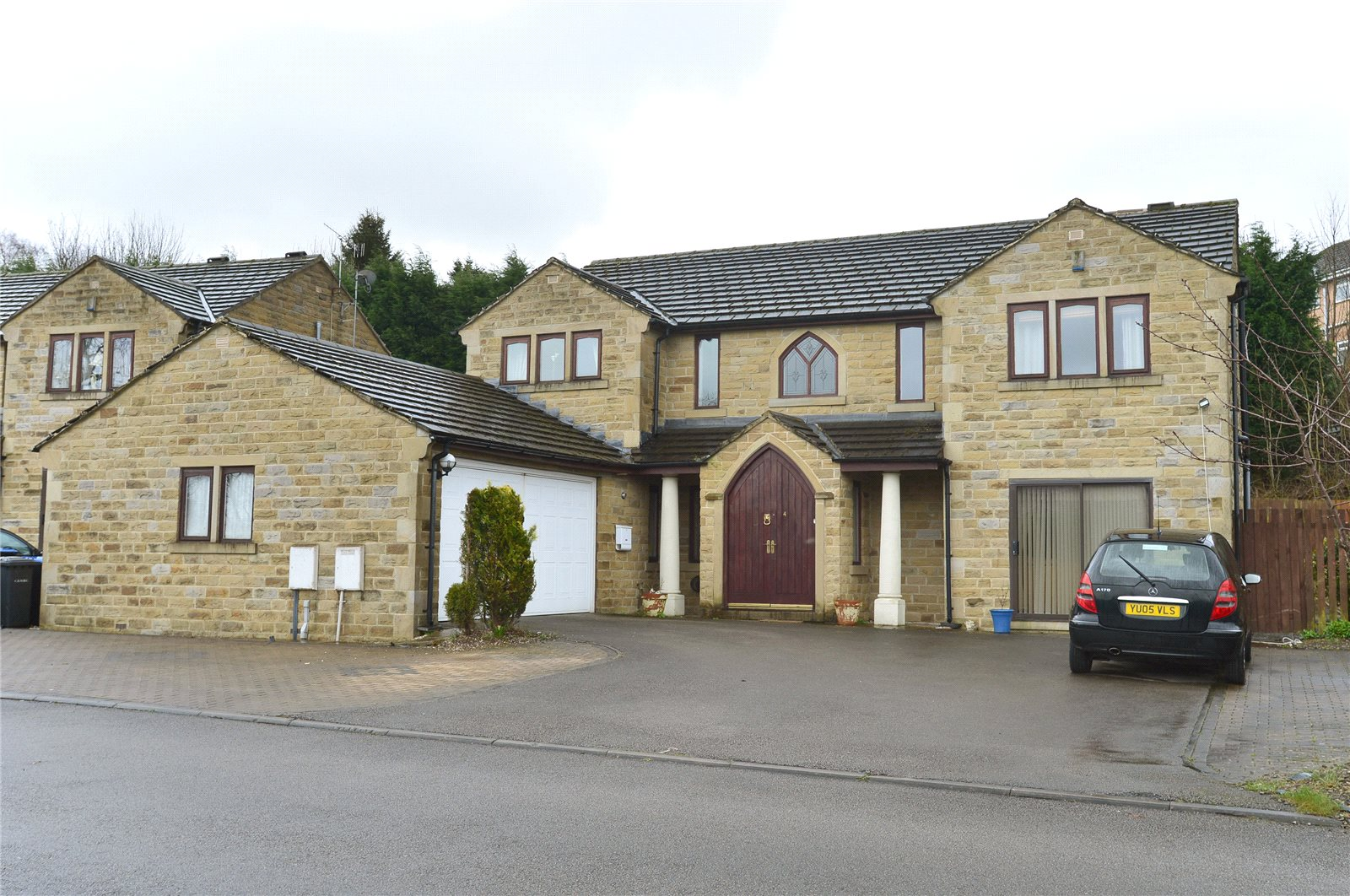Whitegates Bradford 5 Bedroom House Sstc In Coach House