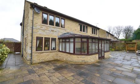 Coach House Close Bradford West Yorkshire BD7 Image 25