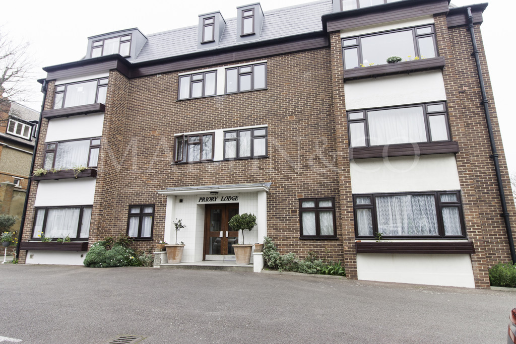 1 Bedroom Apartment Flat for sale in Castlebar Road, Ealing W5