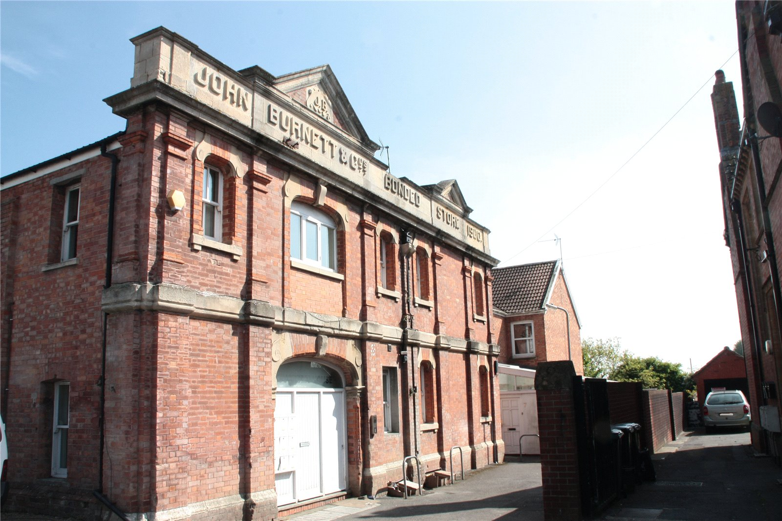 2 Bedrooms Flat for sale in Customs Warehouse Huntspill Road Highbridge TA9