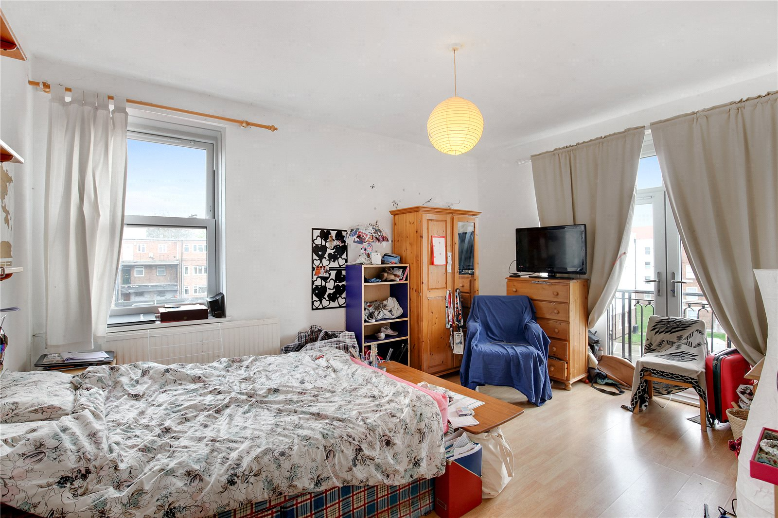 3 Bedrooms Flat for sale in McDougall House Turin Street Bethnal Green E2