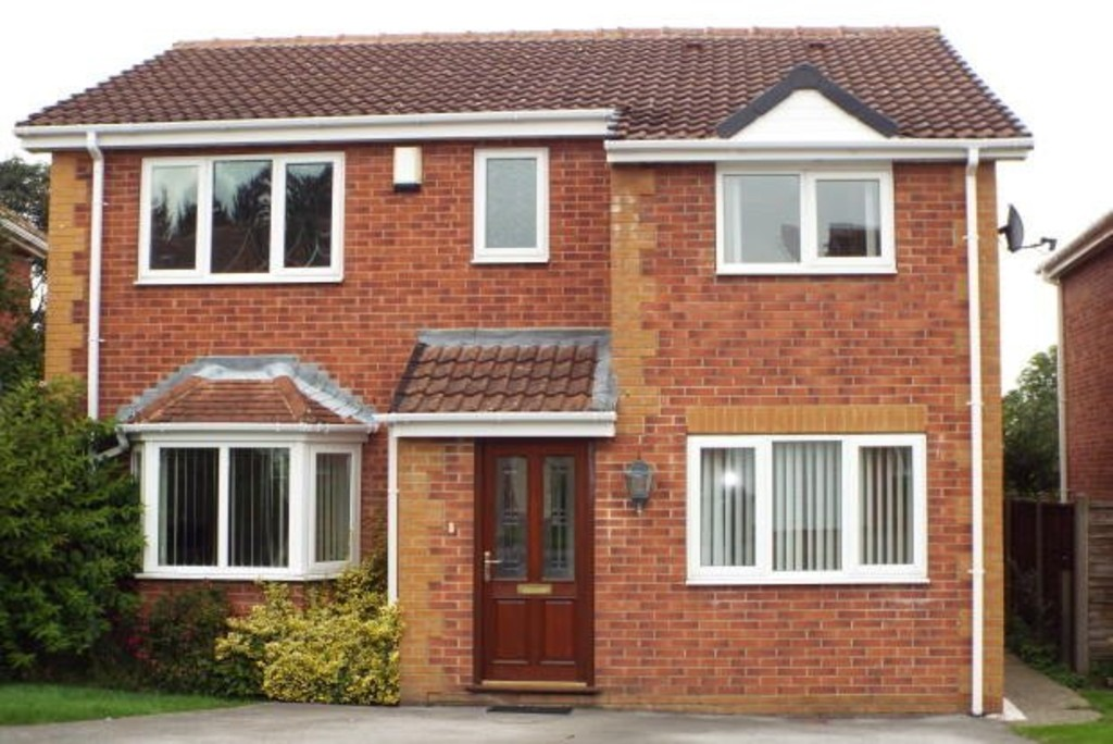 4 Bedrooms Detached House for sale in Wentworth Way, Sandal WF2