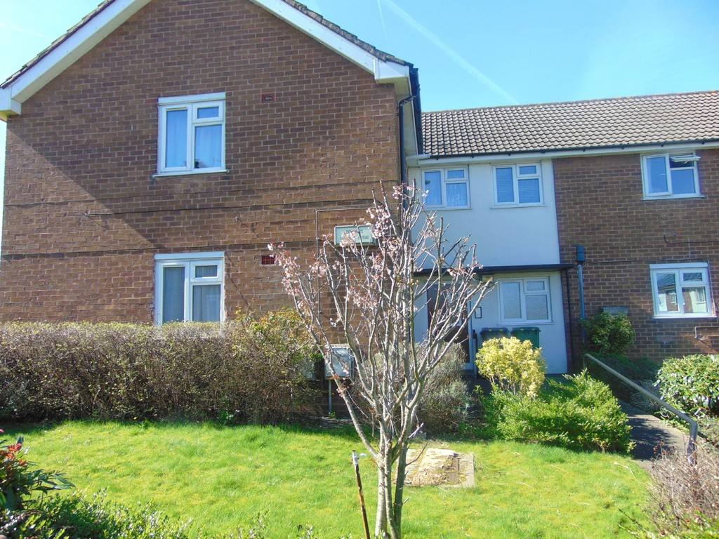 2 Bedrooms Apartment Flat for sale in Glebe Hey, Woodchurch CH49